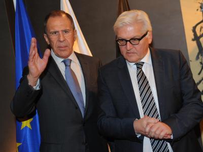 Bundesaußenminister Frank-Walter Steinmeier (r) und sein russischer Amtskollege Sergej Lawrow in München. Foto: Andreas Gebert