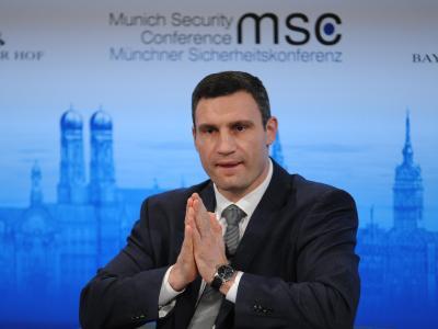 Vitali Klitschko spricht auf der Sicherheitskonferenz in München. Foto: Andreas Gebert
