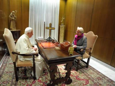 Annette Schavan bei Papst Benedikt. Foto: Osservatore Romano/Archiv