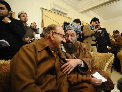 Im Gespräch: Vertreter der pakistanischen Taliban und der Regierung des Landes. Foto: T. Mughal