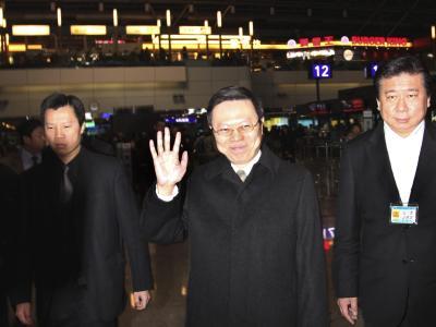 Wang Yu-chi (M), der Minister von Taiwans Rat für Festland-Angelegenheiten, reist nach Ostchina. Foto: David Chang