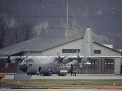 In Algerien ist ein Militärflugzeug vom Typ Hercules C-130 (hier ein Exemplar der belgischen Luftwaffe) abgestürzt. Foto: Laurent Gillieron/Symbolfoto