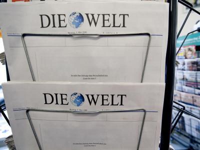 Die Tageszeitung «Die Welt» erschien 2010 zum Internationalen Tag der Pressefreiheit mit einer leeren Titelseite. Foto: Robert Schlesinger/Archiv