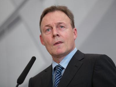 SPD-Fraktionschef Oppermann verteidigt seinen umstrittenen Anruf bei BKA-Präsident Ziercke Foto: Florian Schuh