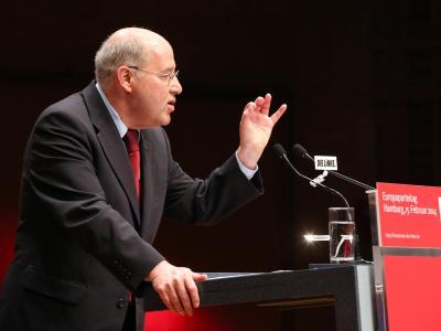 Linke-Fraktionschef Gregor Gysi beim Bundesparteitag in Hamburg. Foto: Bodo Marks