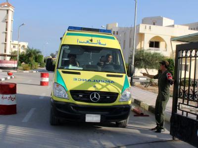 Ein Krankenwagen auf dem Sinai im Einsatz: Nun hat es in einem Touristenbus eine Explosion gegeben. Foto: Safa Saber/Archiv