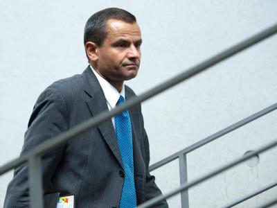 Ganz legales Material: Das sagt SPD-Politiker Edathy über die Bilder, aufgrund derer gegen ihn ermittelt wird. Foto: Maurizio Gambarini/Archiv