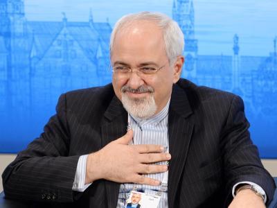 Der iranische Außenminister Mohamad Dschawad Sarif spricht in München. Foto: Tobias Hase/Archiv