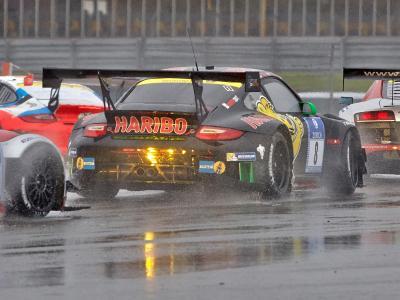 Der ADAC soll auch die Zuschauerzahlen für das 24-Stunden-Rennen auf dem Nürburgring systematisch geschönt haben. Foto: Thomas Frey/Archiv