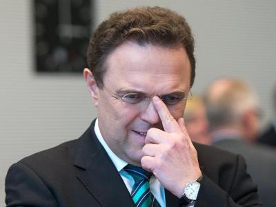 Hat sich Ex-Innenminister Friedrich wegen Geheimnisverrats strafbar gemacht? Einem Zeitungsbericht zufolge hat sich der Anfangsverdacht gegen ihn im Fall Edathy erhärtet. Foto: Maurizio Gambarini