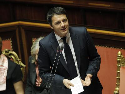 Nach einer stundenlangen Debatte erhält Italiens neuer Ministerpräsident Matteo Renzi das Vertrauen des Senats. Foto: Guiseppe Lami