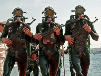 Soldaten der russischen Schwarzmeerflotte bei einer Militärparade in Sewastopol. Foto: Artur Shvarts/Archiv