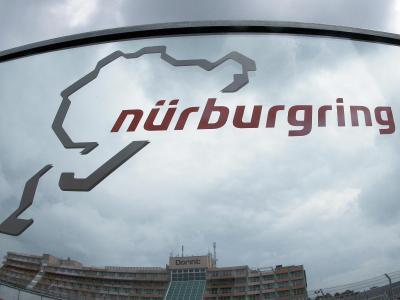 Der Nürburgring in der Eifel gehört zu den traditionsreichen Rennstrecken in Deutschland. Foto: Roland Weihrauch