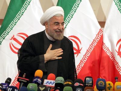 Der iranische Präsident Hassan Ruhani reklamiert mehr Zeit, um die «Trümmer» der Amtszeit seines Vorgängers Ahmadinedschad zu beseitigen. Foto: Abedin Taherkenareh