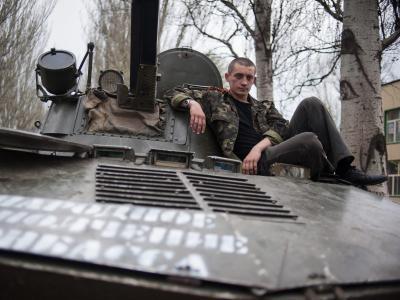 Die pro-russischen Kräfte weigern sich, ihre Waffen abzugeben. Foto: Roman Pilipey