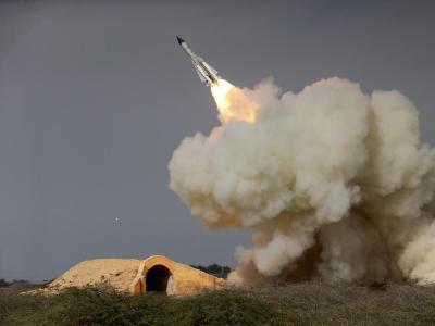 Abschuss einer Weitstrecken-Rakete nahe Buschehr an der Nordküste des Persischen Golfs im Iran. Foto: Isna/Archiv
