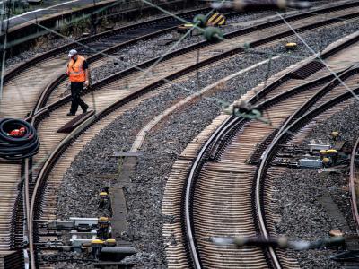 Leer sind im Hauptbahnhof in Wuppertal die Gleise. Foto: Federico Gambarini