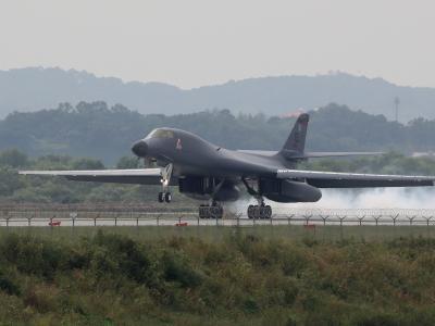 Ein B-1B Lancer-Bomber der US-Luftwaffe beim Start auf einem Stützpunkt in Südkorea. Foto: YNA/Yonhap/Archiv