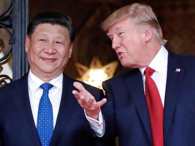 US-Präsident Donald Trump zusammen mit dem chinesischen Präsidenten Xi Jinping in Trumps Anwesen Mar-a-Lago. Beide mahnten Nordkorea zum Unterlassen weiterer Provokationen. Foto: Alex Brandon/Archiv