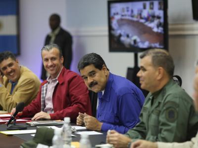 Der venezolanische Präsident Nicolás Maduro und einige seiner Minister im Präsidentenpalast Miraflores in Caracas. Foto: Prensa Miraflores