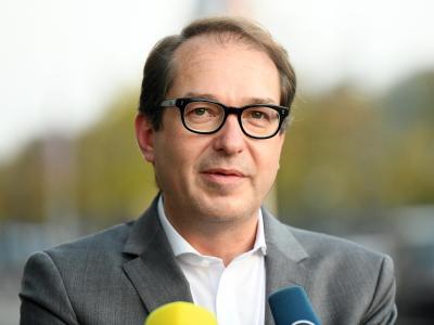 Auch der zuletzt polternde CSU-Landesgruppenchef Alexander Dobrindt gab sich am Freitag versöhnlicher. Foto:Maurizio Gambarini