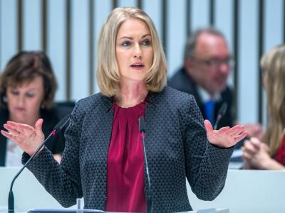 Manuela Schwesig stützt den Vorschlag von SPD-Chef Martin Schulz zur Direktwahl des Parteivorsitzenden. Foto: Jens Büttner