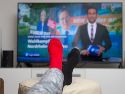 Ob der die Wahrheit sagt?Nur 16 Prozent der Menschen im Osten trauen dem Fernsehen. Foto: Friso Gentsch
