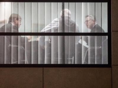 Unterhändler: SPD-Vize Ralf Stegner, Hessens Ministerpräsident Volker Bouffier (CDU) und Bundesinnenminister Thomas de Maiziere (CDU) am Rande der Sondierungsgespräche. Foto:Kay Nietfeld