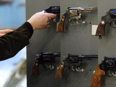 Revolver des US-Herstellers Smith & Wesson auf einer Waffenmesse (Foto vom 14.03.2009).