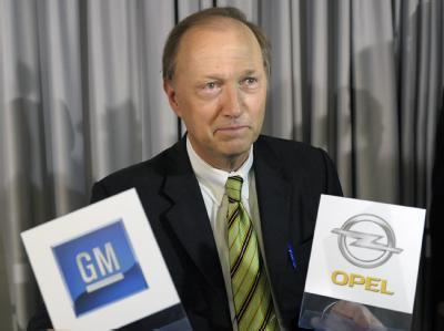 GM-Vize-Präsident John Smith hat den Abbau von rund 10 000 Opel-Stellen in Europa angekündigt.
