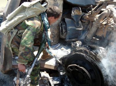 Ausgebrannter Tanklaster in Kundus