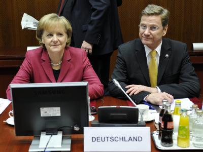Bundeskanzlerin Merkel und Außenminister Westerwelle in Brüssel.
