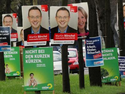 Wahlplakate in Köln. Derzeit hat kein Lager in NRW eine Mehrheit.