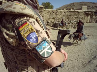 Krieg, kriegsähnlicher Zustand, bewaffneter Konflikt, Stabilisierungseinsatz? Um die Bezeichnung der Konfrontationen, denen deutsche Soldaten in Afghanistan ausgesetzt sind, gibt es Streit.