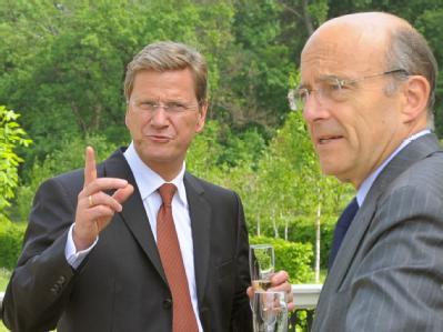Bundesaußenminister Guido Westerwelle und sein französischer Amtskollegen Alain Juppé. (Archivbild)
