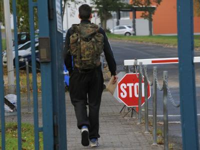 Durch die Bundeswehrreform wird sich die Situation der Pendler verschlechtern, meint der Wehrbeauftragte des Deutschen Bundestages, Hellmut Königshaus. Foto: Uwe Zucchi