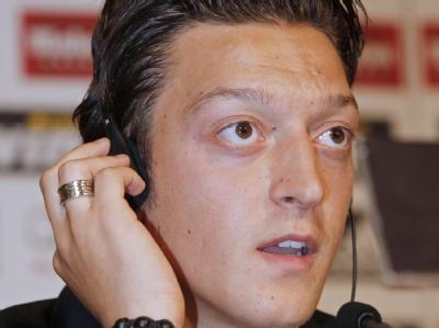 Mit rund 15 Millionen Euro für Mesut Özil machte Werder Bremen den größten Reibach unter den Bundesligavereinen.