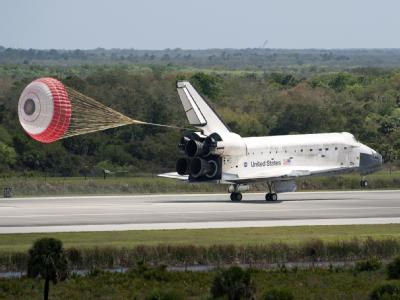USA Shuttle Discovery lands at Kennedy Space Center Florida